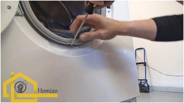 نحوه تمیز کردن لاستیک دور درب ماشین لباسشویی